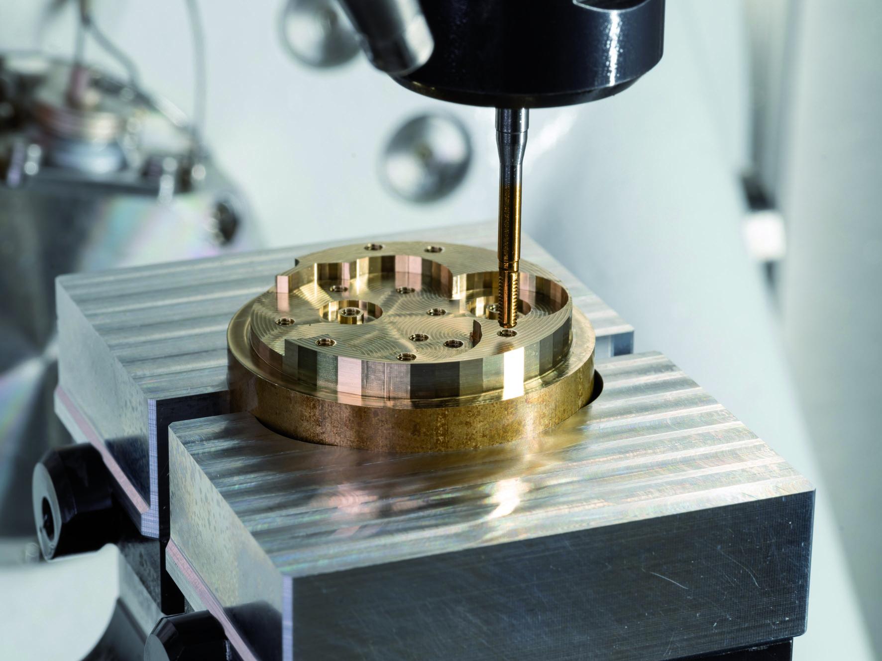 Kleingewinde in Rekordzeit Kern integriert Emuge Punch Tap für M1 bis M3